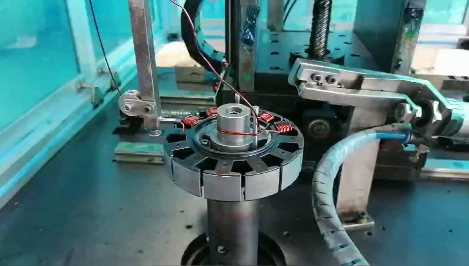 The Fully Automatic Winding Machine For Automotive Radiator Fan Is In Operation